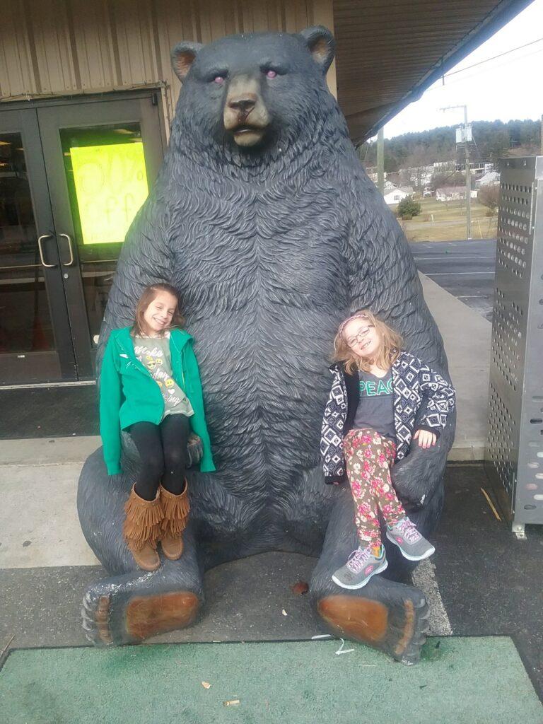 julia & hanny w bear