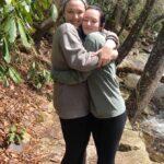 hannah and rachel hug